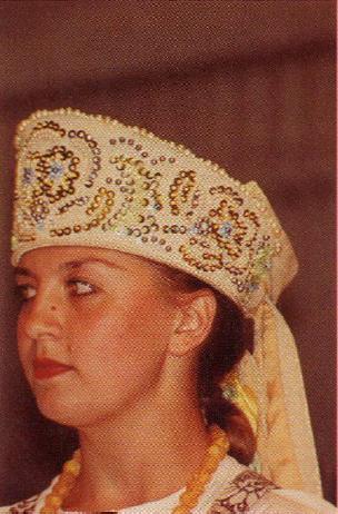 Головной убор карельского народного костюма