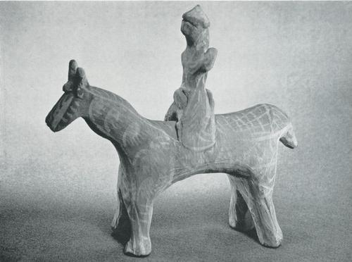 """Игрушка """"Всадник. Задымленная керамика, лощение, белая ангобная роспись. Лакцы, с. Балхар. 1960"""