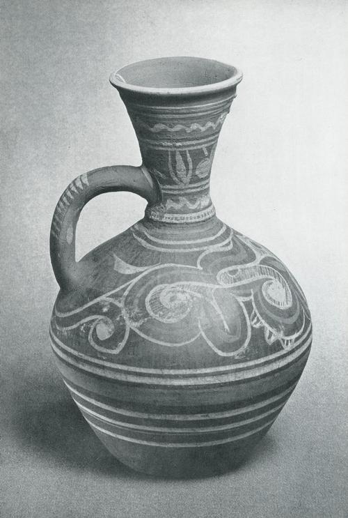 Кувшин для питья. Задымленная керамика, лощение, красная и белая ангобная роспись. Лакцы, с. Балхар. 1950-е гг.