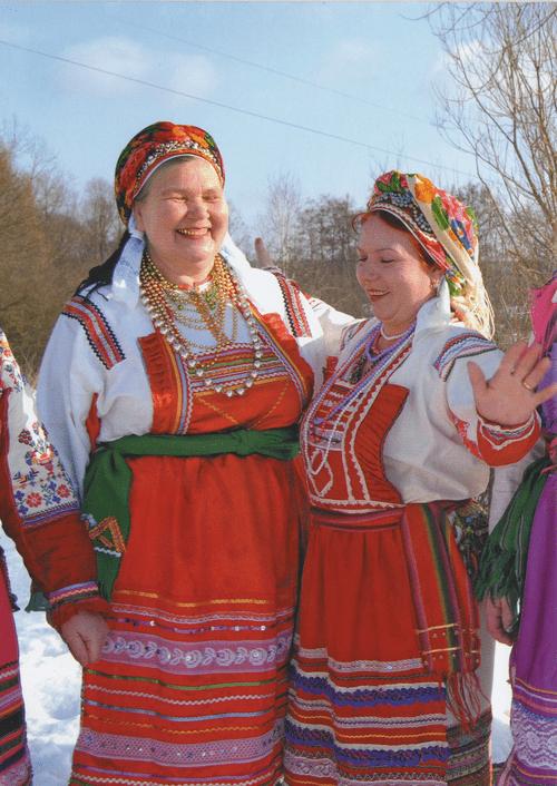 Фото украинок в национальных костюмах его