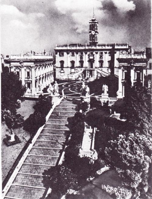 Общий вид архитектурного ансамбля площади Капитолия в Риме. На заднем плане дворец Сенаторов. 1538, около 1546 — около 1654.