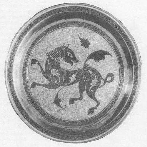 Р. Алиханов. Декоративная тарелка «Добрый зверь». Серебро, чернь, гравировка. 1969.