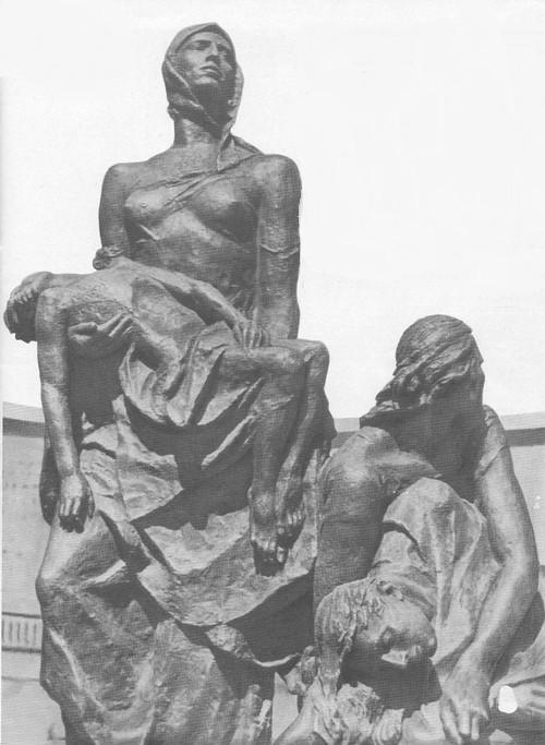 М. Аникушин. Блокада. Скульптурная группа монумента.