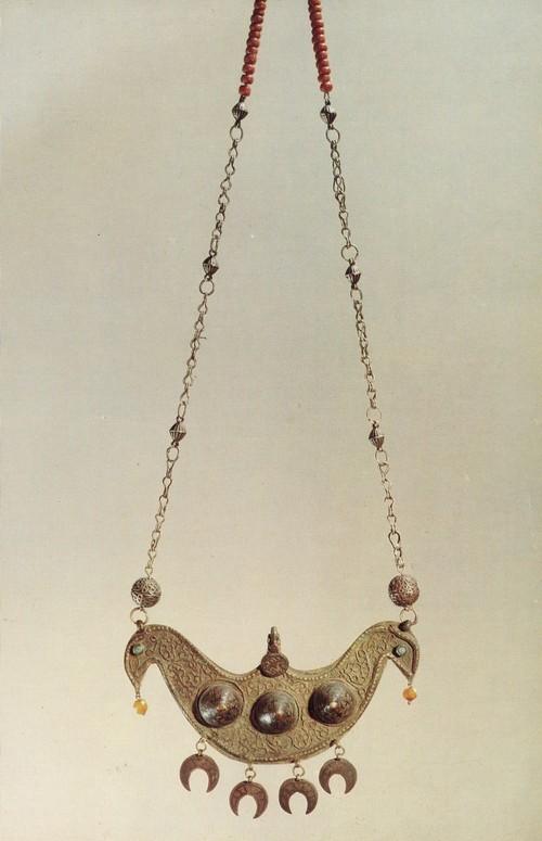 Нагрудное украшение, серебро, чернь, филигрань, жемчуг, бирюза. Лезгины. XIX век