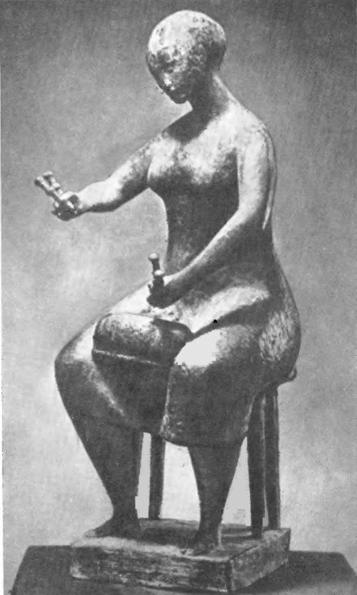 К. Путрих. Вязальщица на коклюшках. Бронза. 1957.