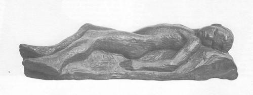 A. Матвеев. Заснувший мальчик. Этюд к надгробию B. Э. Борисову-Мусатову в Тарусе. Гипс тонированный. 1910.
