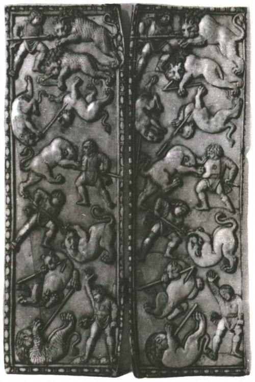 Диптих с изображением древних сцен. Византия. Слоновая кость. V век