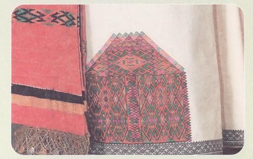Фрагмент вышивки мокшанской рубахи. 30-е гг. XX в. Республика Мордовия, Торбеевский район