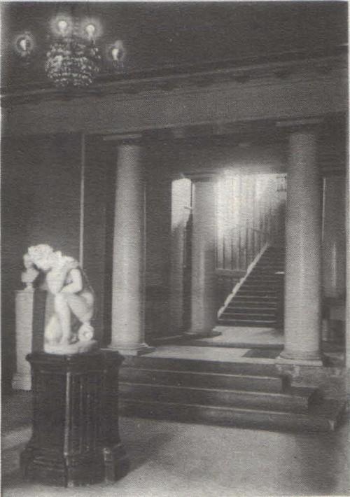 Бр. Веснины. Дом Сироткина в Нижнем Новгороде. 1913. Вестибюль.