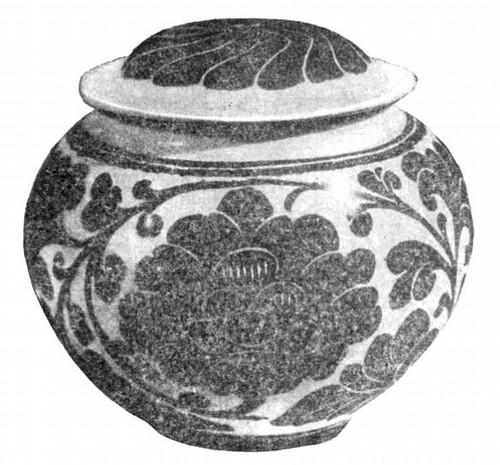 Сосуд с крышкой из фарфора, сорт цычжоу-яо с черным цветочным узором на фоне цвета слоновой кости; детали узора гравированы. Период Мин, XIV в.