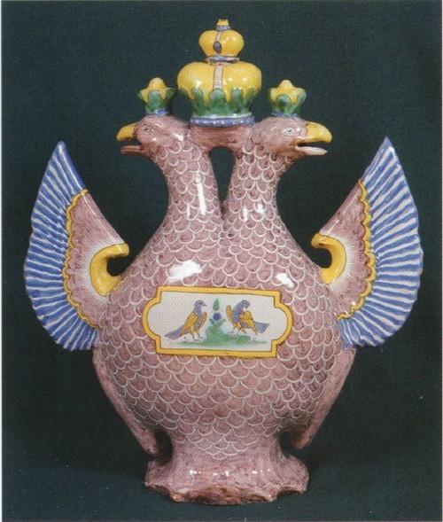 Сосуд-орел XVIII век. Гжель Московская губерния.