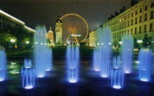 Бьющие вонтаны на площади Антонен-Понсе